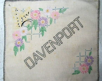 DAVENPORT Iowa QUAD CITIES  Pillow Top Vintage 30s 40s Embroidered