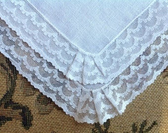 VINTAGE LACE HANDKERCHIEF. White Net Lace Wedding handkerchief. Lace handkerchief.