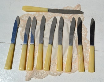 Set of vintage knives, old knives set, fake bone vintage knives set, shabby chic home decor, madeinitalyteam.vintage flatware,