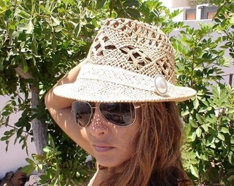 FEDORA WOMEN HAT,Vintage women tan Fedora Straw summer hat  for beach and sun, very stylish