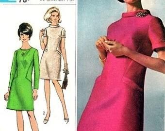 Simplicity 7193 Svelte Designer Dress 1967 / SZ14 UNCUT