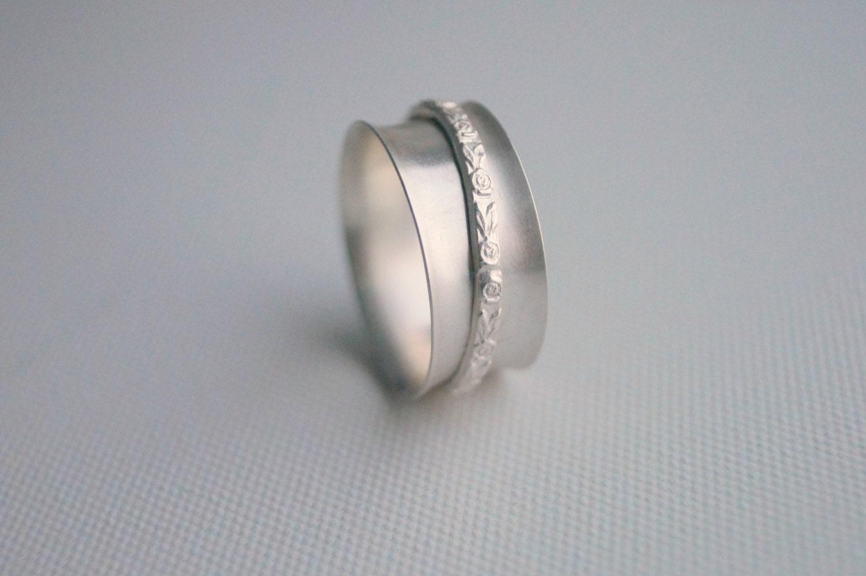 sterling silver spinner ring handmade embossed flower