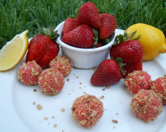 Strawberry Lemon Streusel Dessert Balls