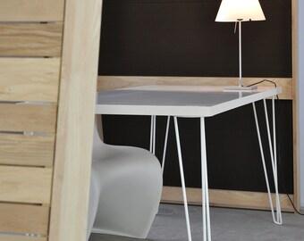 White Spoke table leg