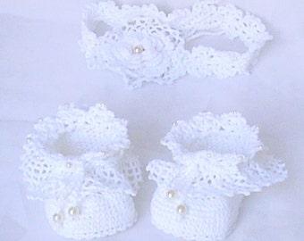 Crochet baby set of booties and headband,Crochet white shoes,Crochet Christening set,Crochet baby shoes and hairband,Crochet baby booties