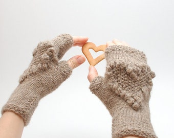 Knit fingerless glove Heart organic wool Beige  - Valentines Day cable knit natural wool fingerless gloves with heart