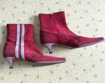 Red Suede 70's Vintage winkle picker boots size EU 38, fits a 39