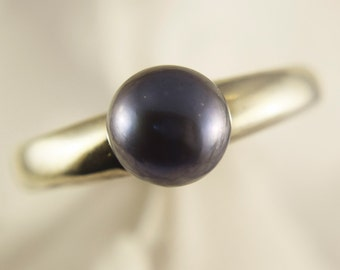 Dark Grey Pearl 6mm and 925 Sterling Silver Ring