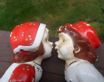 Two Kissing Dutch Children Wall Pockets