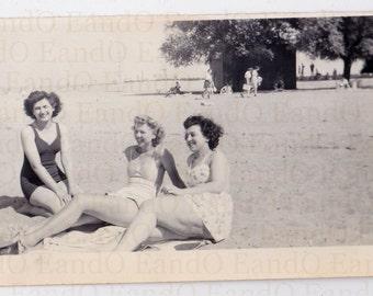 Bathing Beauties - Fantastic 1940s Snapshot of Three Women at the Beach