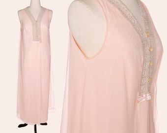 Vintage 70s Nightgown / Peach Nightgown / Full Length Nightgown