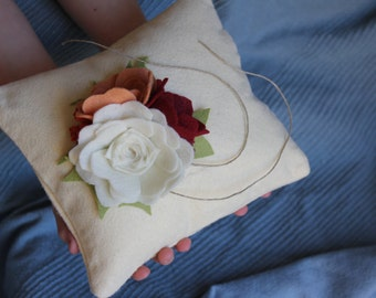 Customizable Three Roses in bloom, Ring pillow,  choose your colors, felt