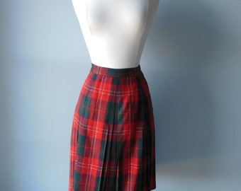 1950s Vintage Skirt Red Green / Plaid Wool 1950s Vintage Skirt Size Small