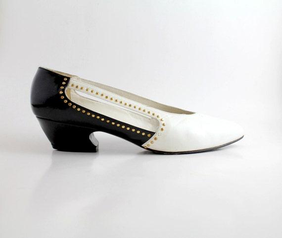 size 6.5   Vintage Stuart by Stuart Weitzman Leather Shoes   Vintage Two Tone Leather Pumps   37