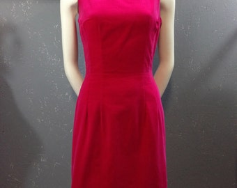 60's pink velveteen dress. Sleeveless sheath. Boatneck. Xxs.