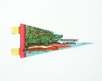 Oregon souvenir pennant / midcentury travel pennant / vintage 60s Prehistoric Gardens banner / small gift