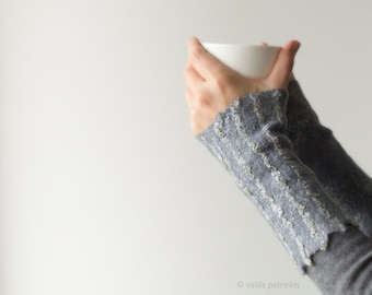 Fingerless mittens Felted wool gloves Handmade felt arm warmers in grey with textured surface Striped gray fingerless gloves