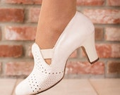 Vintage 1930s Shoes  - White Leather Perforated Heels Size 5 - Skip Along