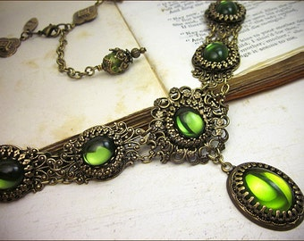Olive Green Renaissance Necklace, Medieval Bridal Jewelry, Victorian Necklace, Ren Festival, Faire Garb, Tudor Costume, Lucia