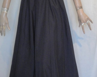 Gorgeous Long Black Gown Dress with Illusion Windowpane Bodice Side Zipper B36