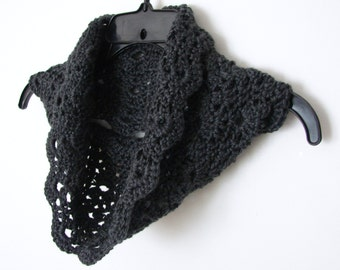 Charcoal Gray Infinity Cowl, Circle Scarf, Crochet Cowl, Crochet Scarf - READY TO SHIP