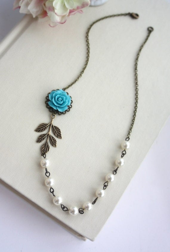 Blue Rose, Leaf and Ivory Pearls Necklace. Something Blue. Vintage Rustic, Blue Wedding. Bridesmaid Gifts Necklace. Holiday Gifts, Blue Rose