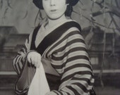 Nice Vintage Japanese Geisha Maiko Style Kabuki Actor Theatre Photo 4