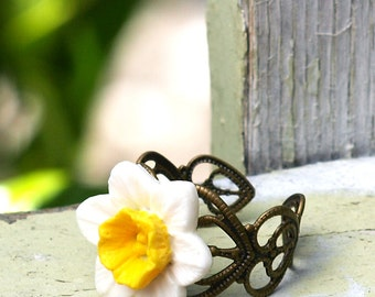 Daffodil Ring. Adjustable. White and Yellow Spring Flower Ring. Bohemian.
