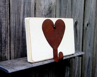 Heart Hook, Wall Hook, Rusty Heart, Painted Wood, Ivory, Country Decor, Cottage Chic, Rustic Decor, Entryway Hook, Key Hanger, Towel Hanger