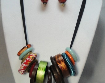 Necklace Earring Set  Wooden & Acrylic Rings Multi Colored On Grosgrain Ribbon Silver Clasp