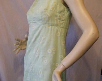 Back to the Garden vintage 1960s Green mini dress with Velvet Daisies Medium