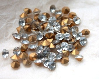 Vintage 1950s Machine Cut Foil Backed Crystal Chatons// Rhinestones // 4mm // Made in France // 12 Pieces