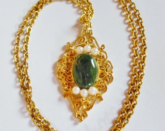 Like New Vintage 1960s Vanderbilt Jewel Collection Oriental Jade Necklace and Original Box