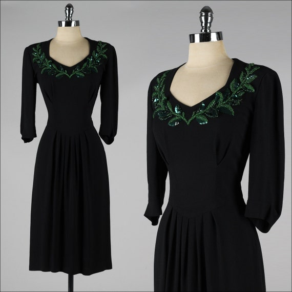 vintage 1940s dress . black rayon crepe . green beaded neckline . 4086