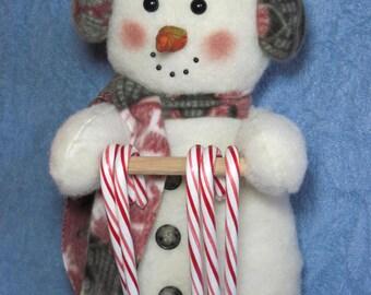 "Snowman pattern:  ""Snowman Candy Cane Holder"" - #640"