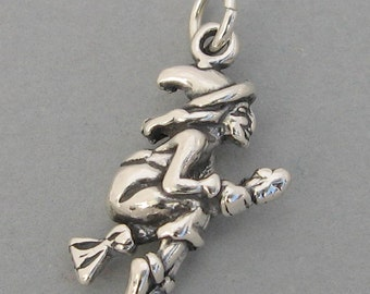Sterling Silver 925 Charm Pendant 3D WITCH on BROOM Halloween 2288