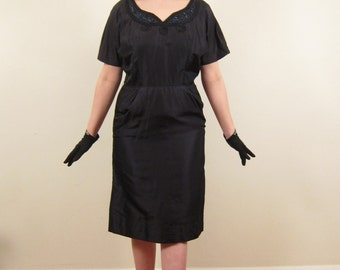Vintage 1950s Wiggle Dress in Beaded Satin / 50s Party Dress in Midnight Blue with Rhinestones / Large