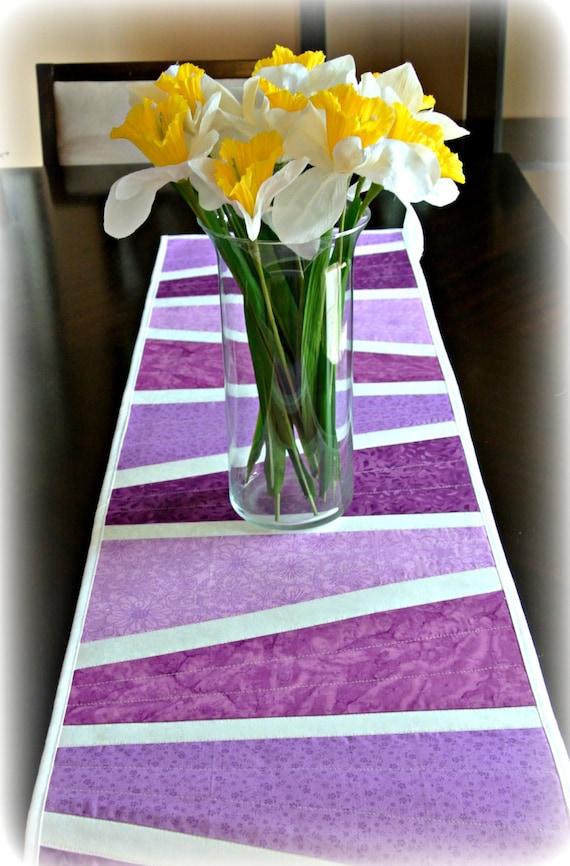 purple easter table runner spring table runner easter. Black Bedroom Furniture Sets. Home Design Ideas