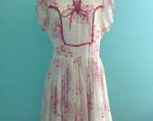 SO CUTE handmade vintage 70s, folk Hungarian style floral prit dress