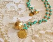 Pièce Vintage & boule en laiton charme Turquoise collier fermoir magnétique en émail le collier Marie-Claude toujours dans mon coeur