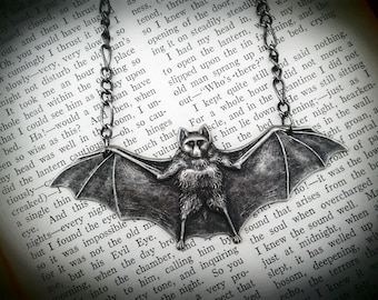 Bat necklace - Vampire bat jewelry, Steampunk Victorian, dracula, rockabilly psychobilly zombie lolita bride gothic wedding Valetine's Day