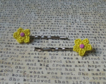 Crochet Flower Bobby Hair Pins (Yellow and Pink)