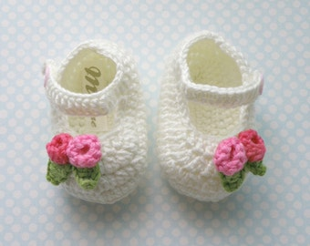 Baby Crochet Shoes, Soft Cream crochet Ballerina for babies, Little Girl slippers, Gift for babies, Cotton Shoes for baby