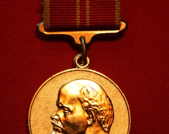 Vintage medal for Valiant Work 100 years of anniversary of the Lenin birth - USSR