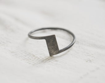Zigzag ring // Z ring //  geometric ring  // oxidized silver // modern jewelry // GM027