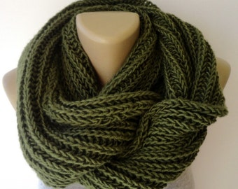 ON SALE // Green Knit Infinity Scarves Chunky Knit Scarf Winter Scarf Men Scarf Circle Scarf Knit Scarf /  Gifts For Her /