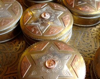 Moroccan 6 point star beige jewel pill box pot