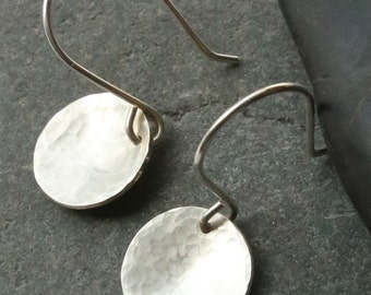 Small hammered silver disk earrings - simple round silver earrings - concave shape