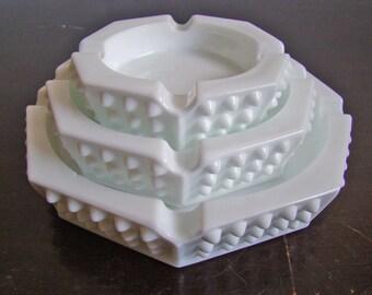 vintage Fenton hobnail milk glass nesting ashtray trio
