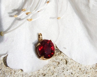 3 ct Ruby & 14kt Gold Pendant